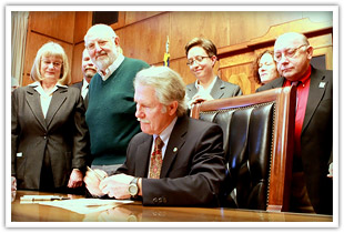 Governor Kitzhaber with Becky Wilkinson